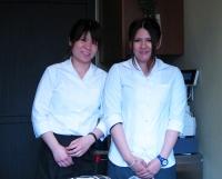 aoyama-staff.jpg